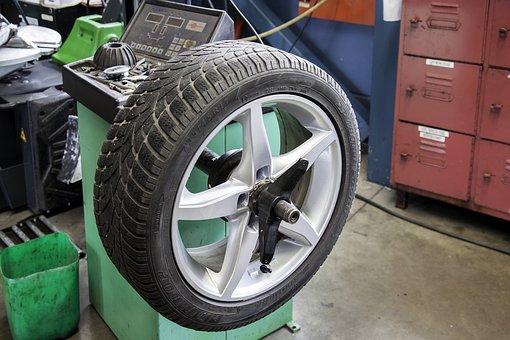 Как да си купите евтини автомобилни гуми?